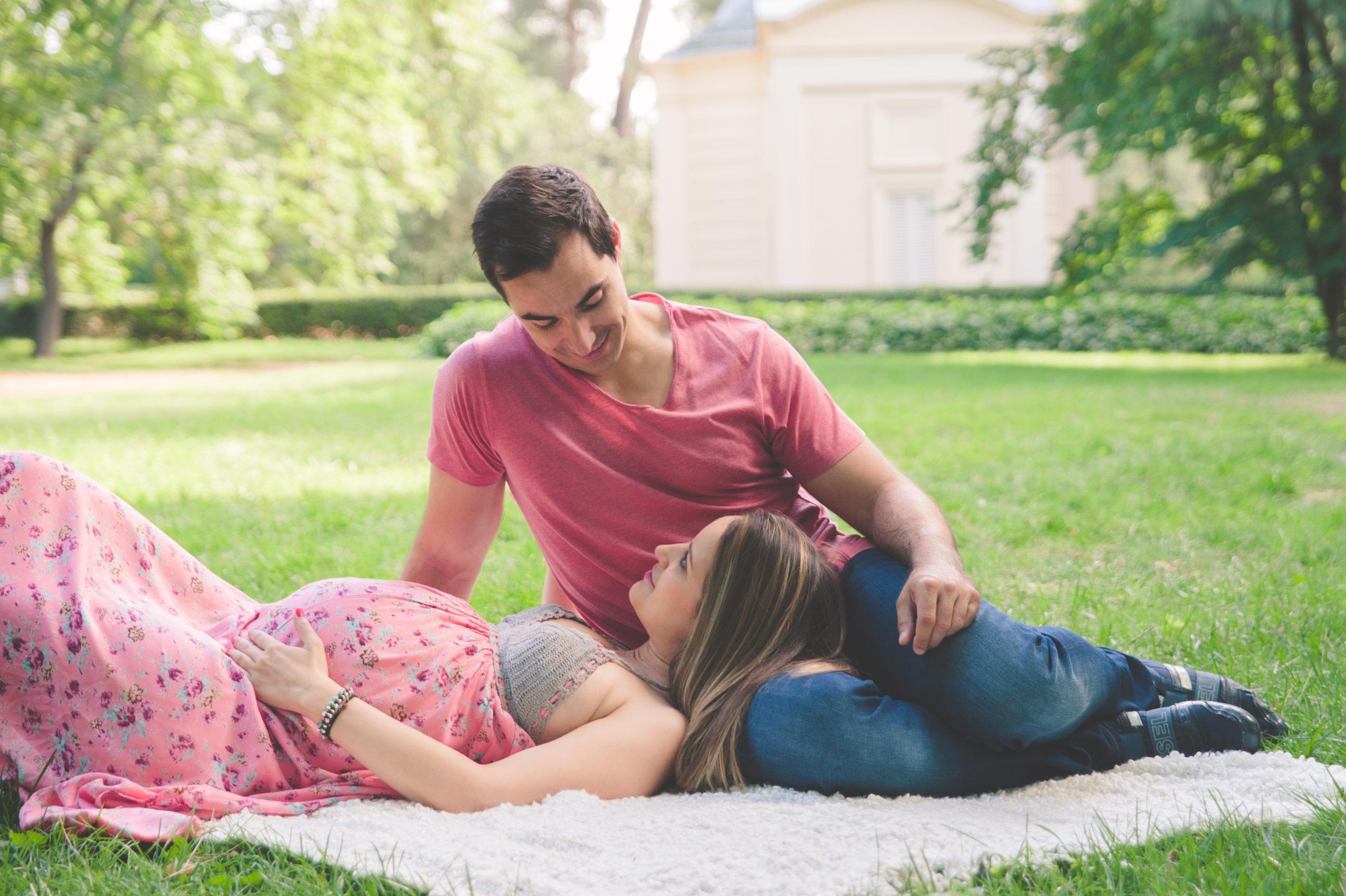 sesion-de-fotos-madrid-pareja-embarazo-exterioresF1118C91-594C-21FD-F7F9-0FE07B9075D6
